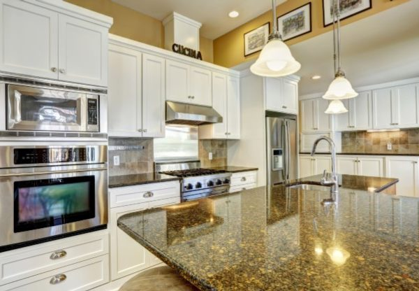 White Shaker Cabinets 2
