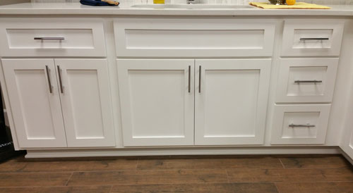 pull bar white shaker kitchen cabinets phoenix cabinet cures