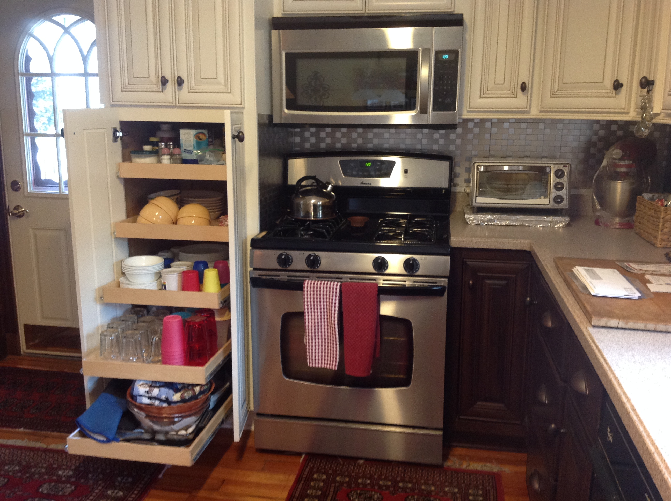 pull out drawers kitchen cabinets
